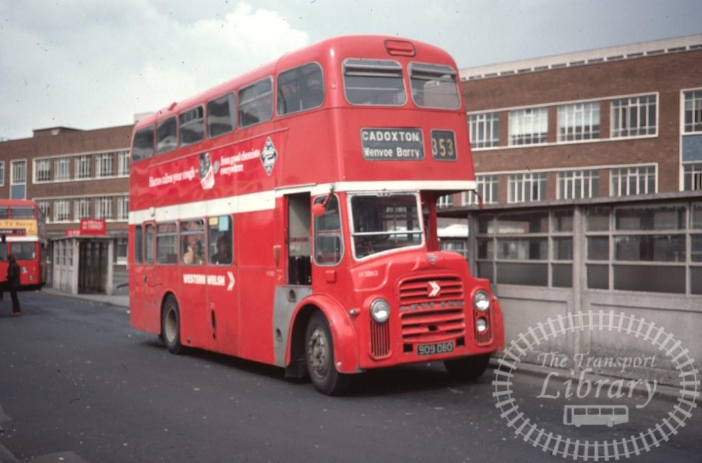 Western Welsh Leyland Titan PD2A/27 H2063 909D8O in 1977 on route 353 - 04/05/1977 - Ron Wellings