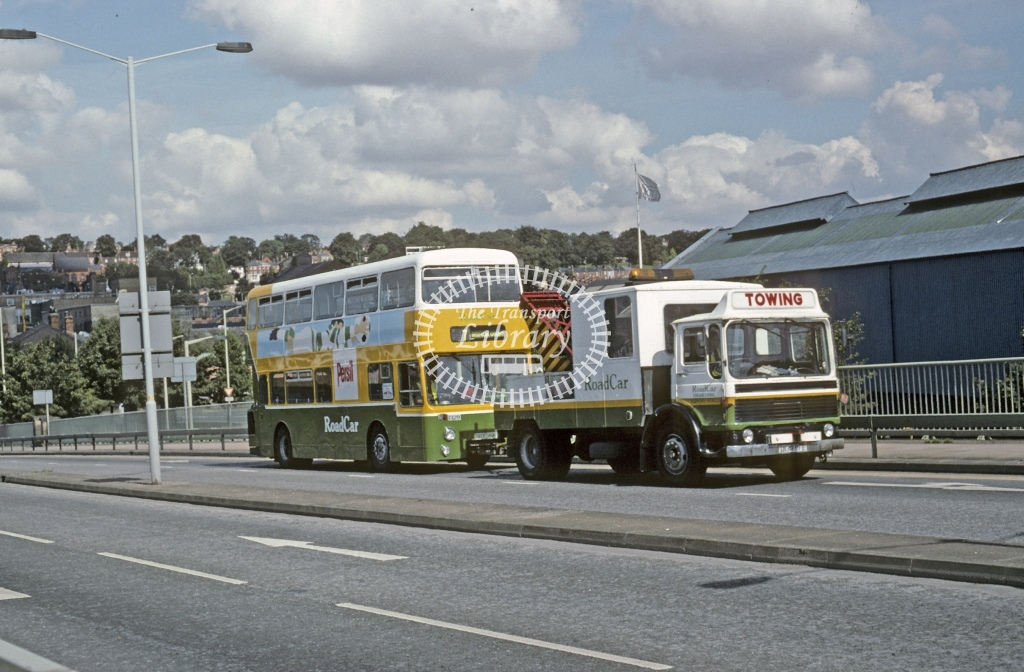 Lincolnshire Road Car Leyland AN68 1329 SDX26R(Towed)  at Lincoln   in 1996 - Aug - Roy Marshall