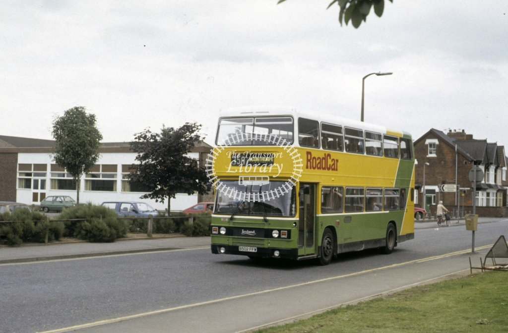 Lincolnshire Road Car Leyland ONLX 1502 B502FFW  at Scunthorpe  in 1988 - Jul - Roy Marshall