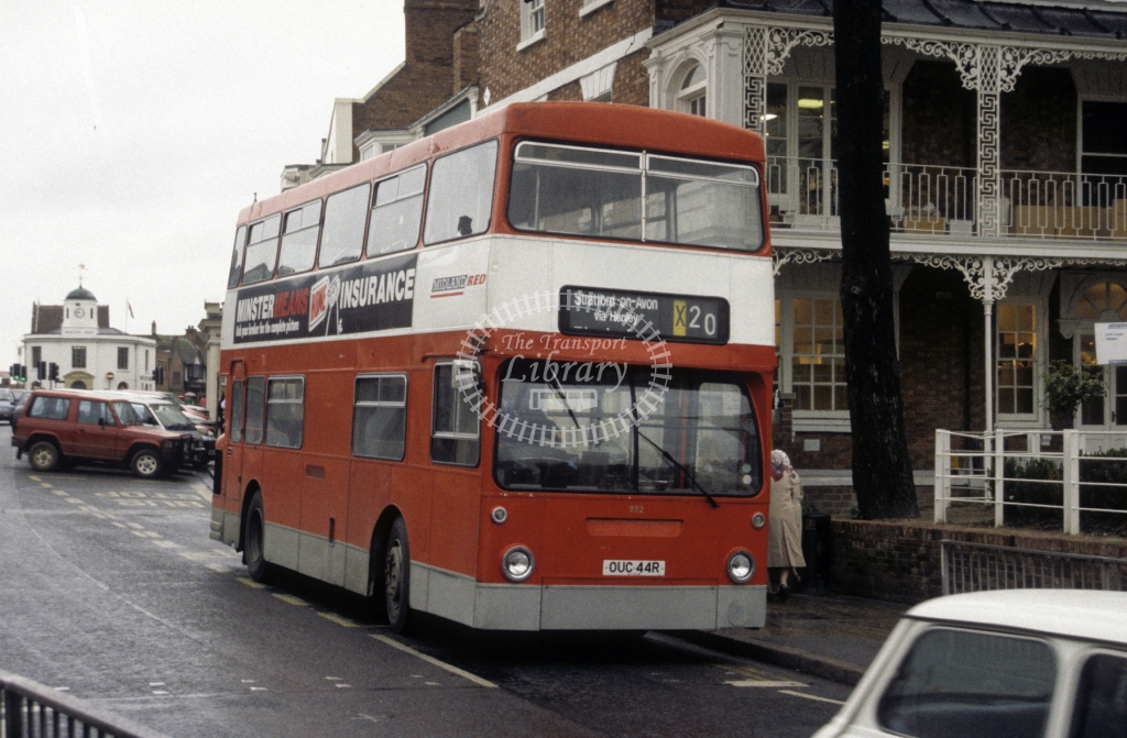 Midland Red South Leyland FE30 952 OUC44R  at Stratford upon Avon  in 1991 -  Oct  - Roy Marshall