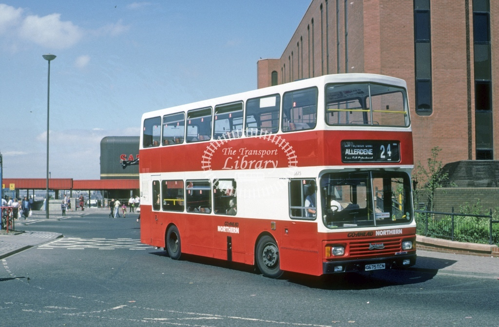 Northern General Leyland ONCL 3675 G675TCN  at Gateshead  in 1990 - Aug - Roy Marshall