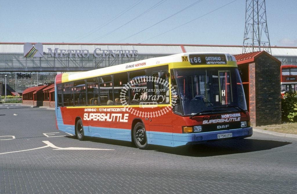 Northern General DAF SB220 4754 G574UCU  at Metro Centre  in 1990 - Aug - Roy Marshall