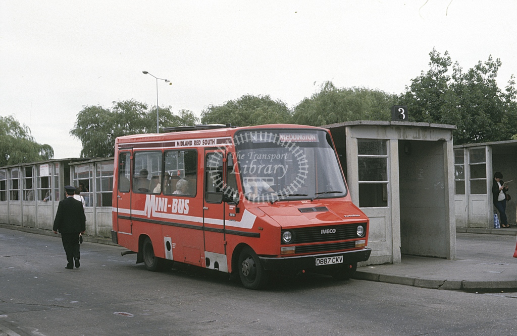 Midland Red South Fiat 49.10 887 D887CKV  at Nuneaton  in 1987 -  Sep  - Roy Marshall