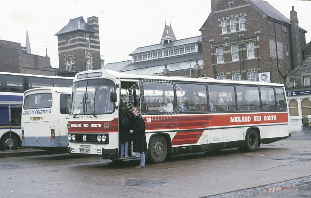 Midland Red South Leyland PSU3E 8 BVP790V  at Oxford  in 1987 -  Apr  - Roy Marshall