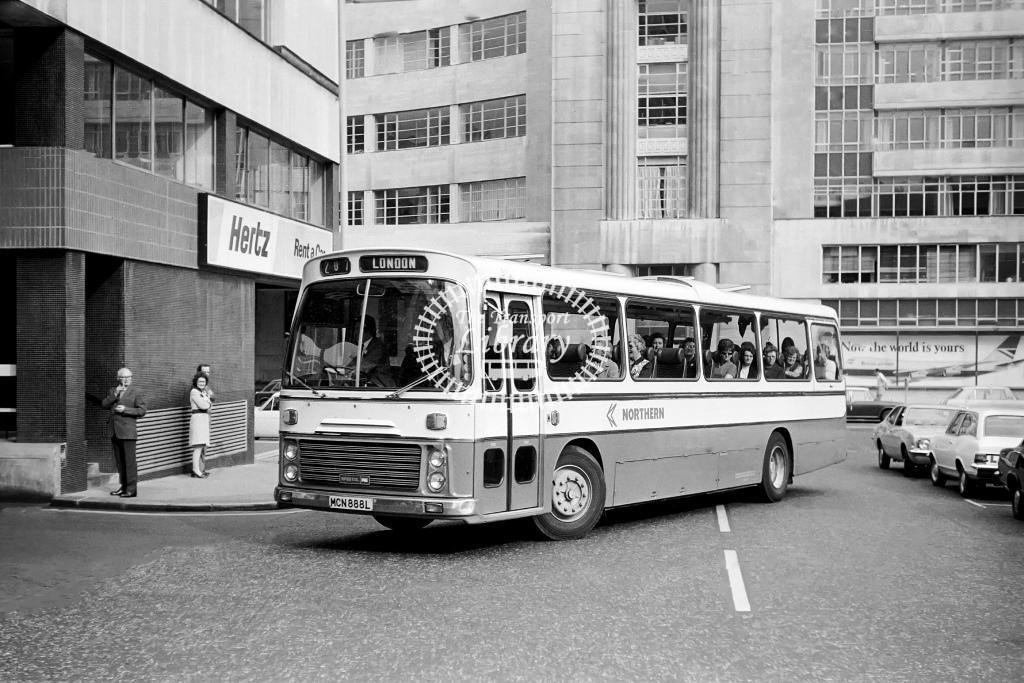 Northern Bristol RELH MCN888L at Victoria in 1974 on route 207 - Vic Zealey