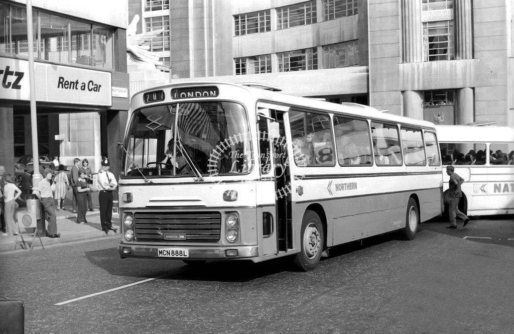 Northern Bristol RELH 88L MCN888L at Victoria in 1975 on route 207 - Vic Zealey