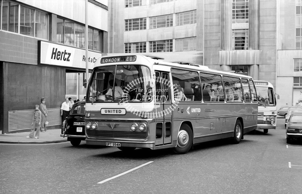 United AEC Reliance 1154 OPT994K at Victoria in 1975 on route 207 - Vic Zealey