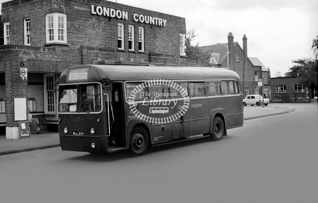 London Country AEC Regal Class RF RF187 MLL574 at Windsor in 1975 on route 705 - Vic Zealey